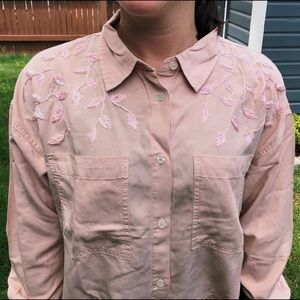 Hand-embroidered pink button-up with vines